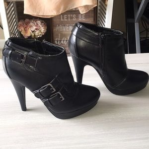 G By Guess Heeled Booties